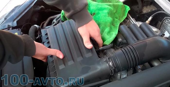 Установка воздушного фильтра автомобиля