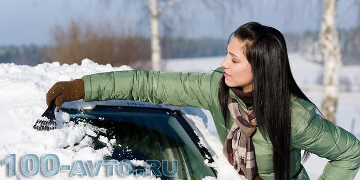 Почему важно очищать машину от снега